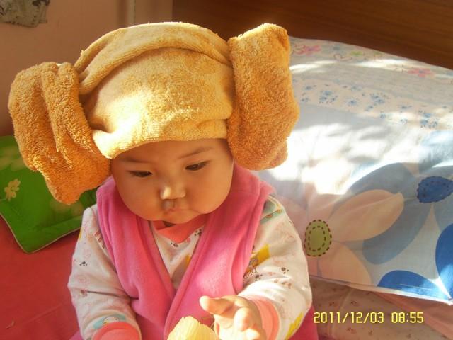秀一张你们最喜欢的宝宝戴帽子的照片吧图片