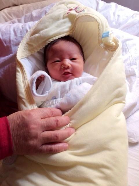 新生儿鼻头上的小白点什么时候会消失