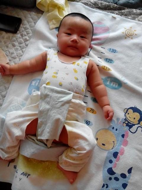 三个月婴儿奶粉量_做个调查,三个月的宝宝都多大了_我儿子是三个月,一顿奶粉能 ...