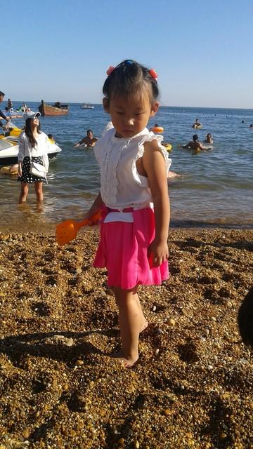 海边的小姑娘图片